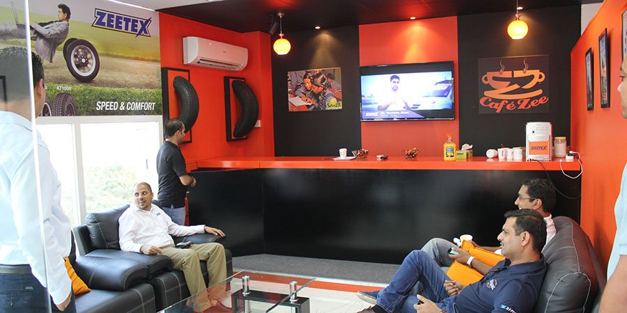 Zeetex presenta el Cafe Zee en ras al khaimah