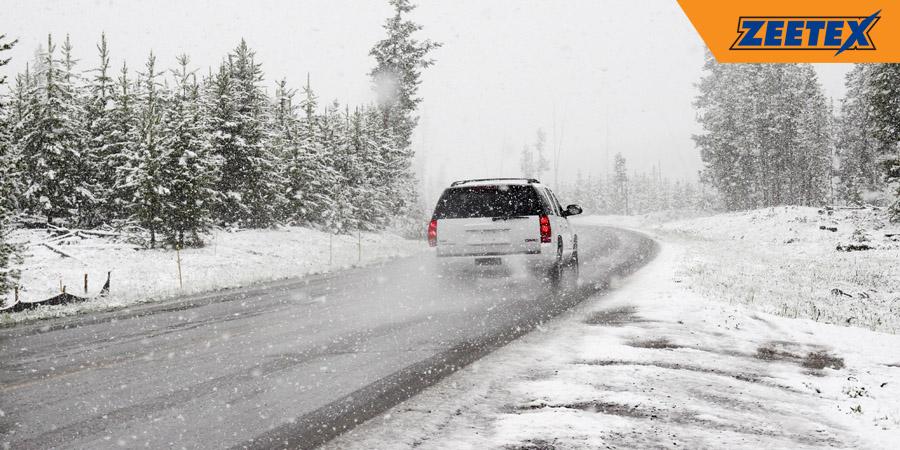 Cómo reaccionar ante una nevada mientras conduces